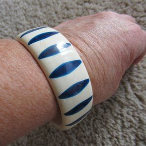 Blue and White Vintage Lucite Bangle